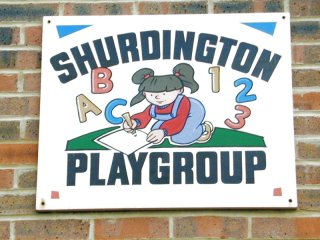 Playgrpsign.jpg (24712 bytes)